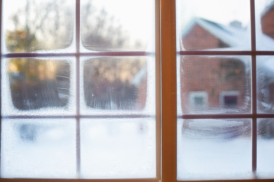 frost-on-window-637531_960_720.jpg